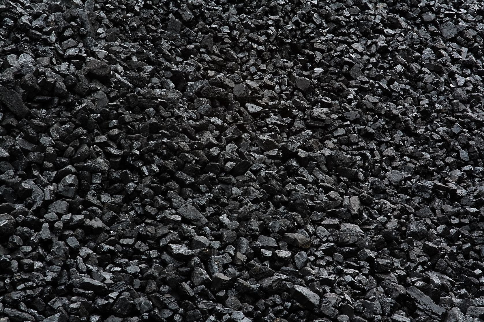Indonesia postpones domestic insurance requirement for thermal coal exporters to Feb 2019